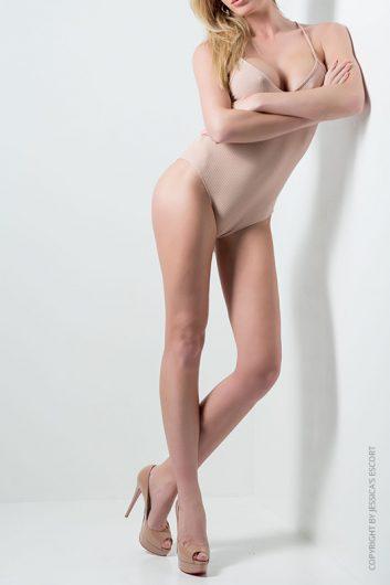 melanie-top-class-escort-model-geneva