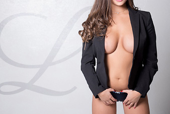 vegas high class leonie escort model