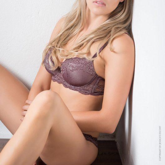 leandra-vip-escort-lady-dortmund